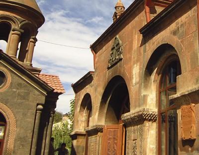 Զորավոր Սուրբ Աստվածածին եկեղեցի