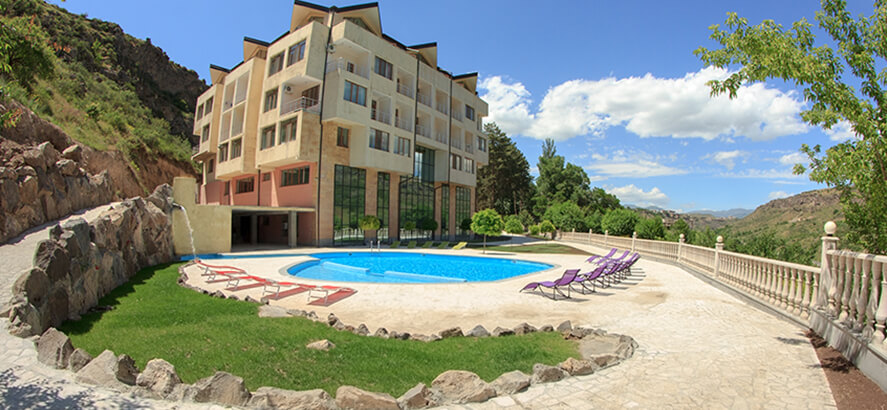 Arzni resort