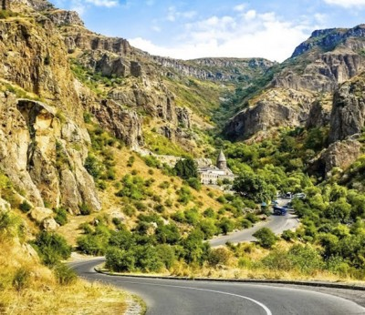 american-on-the-way-to-discover-armenian-culture